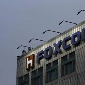 foxconn4-kBbG-621×414@LiveMint